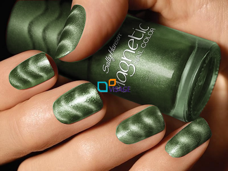 Sally Hansen Magnetic Electric Emerald